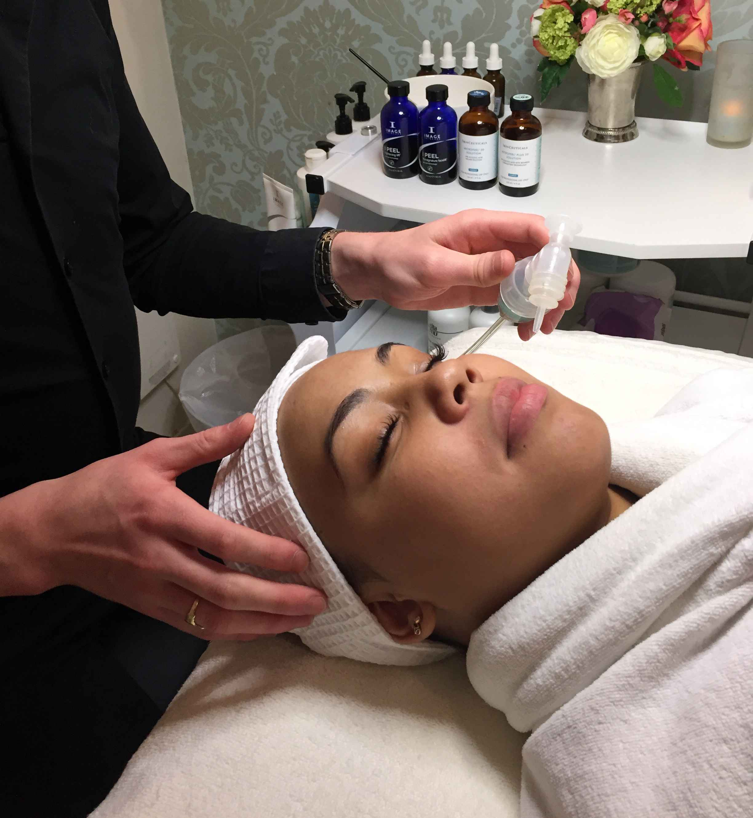 Oxygen treatment at Skin Bar NYC